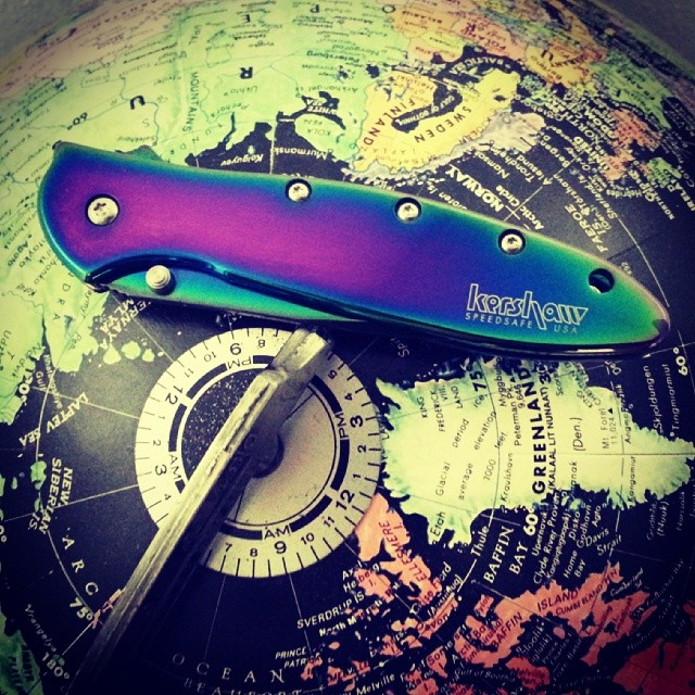 Awesome photo sent to us from one of our customers! This is their new baby, the Kershaw Rainbow Leek Knife 1660VIB. *Did you know? The beautiful iridescence of the 1660VIB is created by passing currents of electricity over the titanium oxide coating at varying intensities. Share yours with us at www.Kershaw-Knives.net kershaw kershawknives rainbow leek knife globe madeintheUSA edc folder iridescent science physics didyouknow KnifeSunday KnifeCommunity knifestagram knifefanatics