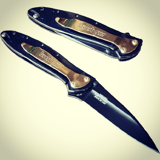 Our FlashbackFriday to the Kershaw Ken Onion Leek Black and Gold 1660GB, sadly discontinued :( anybody want to share a pic of theirs? Visit us at www.Kershaw-Knives.net Kershaw kershawknives knife black gold fbf edc kenonion discontinued rare knifefanatics