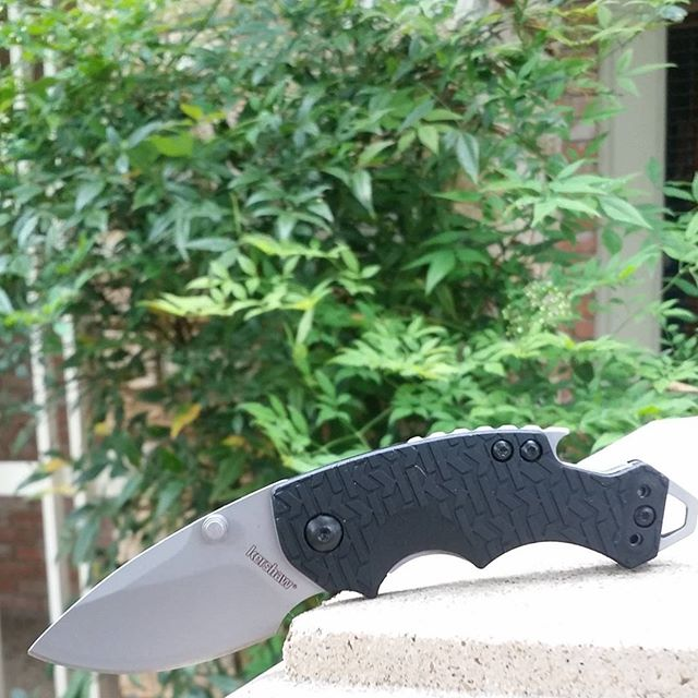 Here is another unbeatable deal from Kershaw-Knives.net! While supplies last we are letting the next 100 of these Kershaw Shuffle knives go for $12.99! KERSHAW-KNIVES.NET/SHUFFLE shuffle KershawKnives Knives knifesale KershawShuffle edc